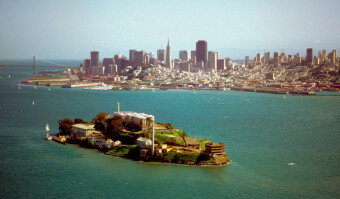 Alcatraz Island and the San Francisco Bay and the skyline of San Francisco, California, USA (Getty Images)